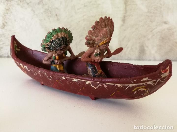 Figuras de Goma y PVC: CANOA INDIA CON REMEROS INDIOS EN GOMA PECH AÑOS 50 - Foto 10 - 114844355