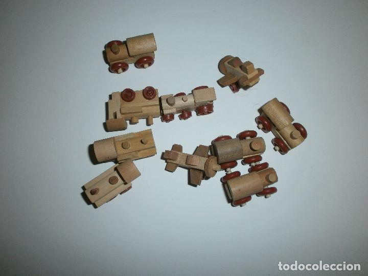 LOTE 10 JUGUETES DE MADERA KINDER (Juguetes - Figuras de Gomas y Pvc - Kinder)