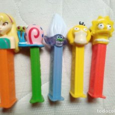 Dispensador Pez: LOTE DE 5 DISPENSADORES PEZ CAMPANILLA,LISA SIMPSONS,POKEMON,GARY DE BOB ESPONJA Y GNOMO. Lote 114907987