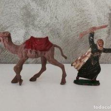 Figuras de Goma y PVC: CAMELLO Y BEDUINO ARABA SERIE LAWRENCE DE ARABIA EN GOMA DE REAMSA. Lote 115004395