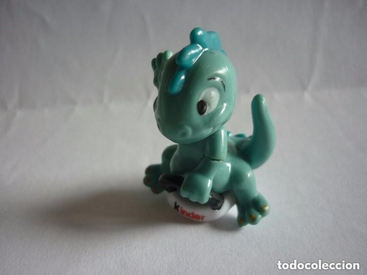 FIGURA KINDER DINOSAURIO (Juguetes - Figuras de Gomas y Pvc - Kinder)