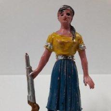 Figuras de Goma y PVC: FIGURA DE VICTORIA CANNON . EL GRAN CHAPARRAL . REALIZADA POR COMANSI . AÑOS 60. Lote 115223527