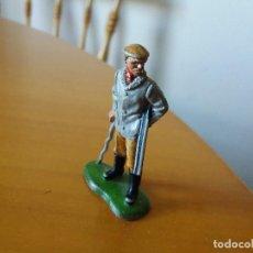 Figuras de Goma y PVC: FIGURA CAZADOR. BRITAINS LTD 1971. MADE IN ENGLAND. DIFÍCIL.. Lote 115268879