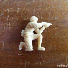 Figuras de Goma y PVC: SOLDADO JAPONÉS BEIGE ORIGINAL. DUNKIN. Lote 115486799