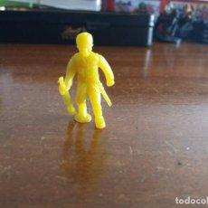 Figuras de Goma y PVC: SOLDADO JAPONÉS AMARILLO .DUNKIN. Lote 115575767