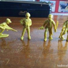 Figuras de Goma y PVC: LOTE 4 SOLDADOS JAPONÉSES AMARILLO VERDOSO .MUNDI TOY. Lote 115576283