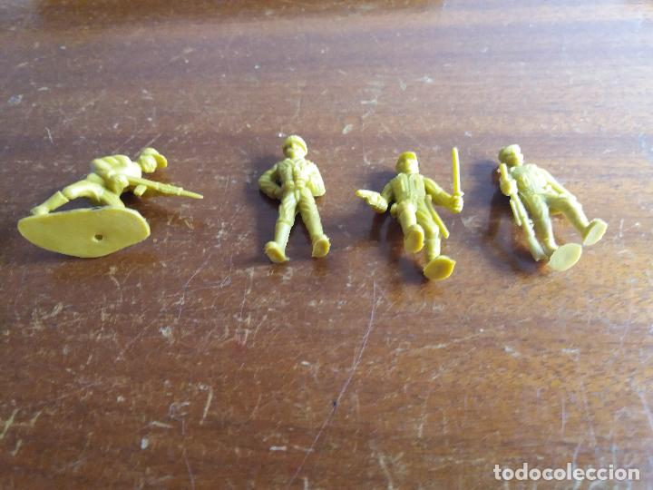 Figuras de Goma y PVC: LOTE 4 SOLDADOS JAPONÉSES AMARILLO VERDOSO .MUNDI TOY - Foto 3 - 115576283