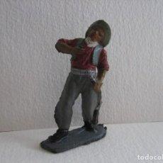 Figuras de Goma y PVC: VAQUERO HERIDO TEIXIDO, GOMA, AÑOS 60. Lote 115922607