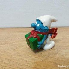 Figuras de Goma y PVC: FIGURA PITUFO CON REGALO. NAVIDAD. SCHLEICH. PEYO 1981. . Lote 116376695
