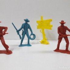 Figuras de Goma y PVC: VAQUEROS Y COMPLEMENTO . REALIZADOS EN PLASTICO MONOCOLOR . AÑOS 60 / 70. Lote 116931795