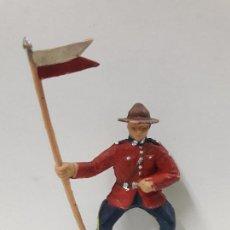 Figurines en Caoutchouc et PVC: SOLDADO ABANDERADO PARA CABALLO . SERIE POLICIA MONTADA DEL CANADA . REALIZADA POR REAMSA . AÑOS 60. Lote 117396935