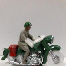 Figuras de Goma y PVC: MOTORISTA . REALIZADO POR M. SOTORRES . AÑOS 60. Lote 117415715