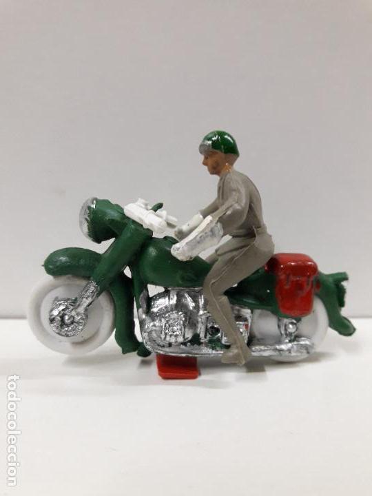 Figuras de Goma y PVC: MOTORISTA . REALIZADO POR M. SOTORRES . AÑOS 60 - Foto 2 - 117415715