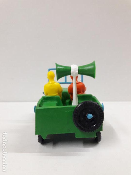 Figuras de Goma y PVC: JEEP DE LA VUELTA CICLISTA . REALIZADO POR SOTORRES . AÑOS 60 - Foto 4 - 117417483