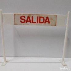 Figuras de Borracha e PVC: CARTEL DE SALIDA - LLEGADA DE LA VUELTA CICLISTA . REALIZADO POR SOTORRES . AÑOS 60. Lote 117417727