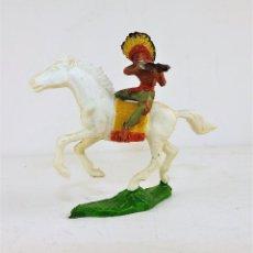 Figuras de Goma y PVC: GMB FIGURA INDIO A CABALLO CON RIFLE CCA 1960. Lote 171677012