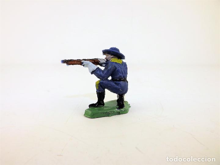 Figuras de Goma y PVC: GMB Figura Soldado con rifle Cca 1960 - Foto 2 - 177763428