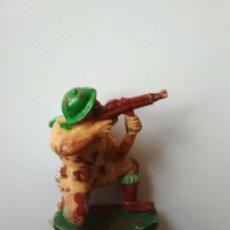 Figuras de Goma y PVC: OCTAVO EJERCICIO PECH HNOS SOLDADO INGLÉS. Lote 117869551