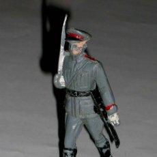 Figuras de Goma y PVC: FIGURA DESFILE EJÉRCITO ESPAÑOL POLICIA ARMADA, FABRICADA EN PLÁSTICO, PECH, ORIGINAL AÑOS 60.. Lote 118066251