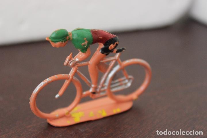 Figuras de Goma y PVC: 5 ciclistas PVC de SOTORRES. Años 60 - Foto 4 - 118172267