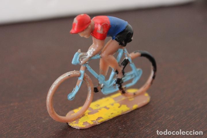 Figuras de Goma y PVC: 5 ciclistas PVC de SOTORRES. Años 60 - Foto 6 - 118172267