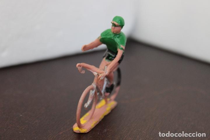 Figuras de Goma y PVC: 5 ciclistas PVC de SOTORRES. Años 60 - Foto 7 - 118172267