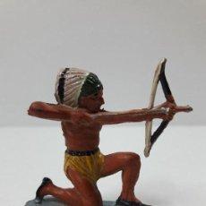 Figuras de Goma y PVC: GUERRERO INDIO . REALIZADO POR PECH . AÑOS 50 EN GOMA. Lote 118190563