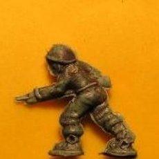 Figuras de Goma y PVC: LOTE DE 32 FIGURA FIGURAS - MUÑECO PLASTICO -PVC - - PIN PINS PLASTICO PIPAS CHURRUCA --. Lote 118307335