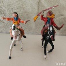 Figuras de Goma y PVC: VAQUEROS A CABALLO DE GOMA LAFREDO. Lote 118449903