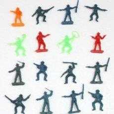 Figuras de Goma y PVC: 16 FIGURAS OESTE INDIOS Y VAQUEROS MINI OESTE COMANSI AÑOS 80 VINTAGE RETRO. Lote 118590523