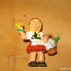 Figuras de Goma y PVC: FIGURA PVC CAPERUCITA ROJA O LOS TRES CERDITOS MARCA BULLY BULLYLAND 1985. Lote 118708135