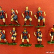 Figuras de Goma y PVC: LOTE DE 9 JUGADORES CF BARCELONA. ORIGINAL AÑOS 60S. MIDEN 5,5 CTMS. APROX.. Lote 120043715