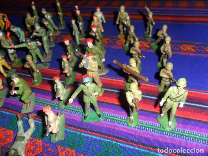 Figuras de Goma y PVC: LOTE 53 FIGURA PLASTICO STARLUX INDIOS HURONES VAQUEROS SOLDADOS AMERICANOS BOINAS ROJAS. MBE RARAS - Foto 2 - 120179743