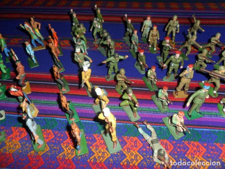 Figuras de Goma y PVC: LOTE 53 FIGURA PLASTICO STARLUX INDIOS HURONES VAQUEROS SOLDADOS AMERICANOS BOINAS ROJAS. MBE RARAS - Foto 3 - 120179743