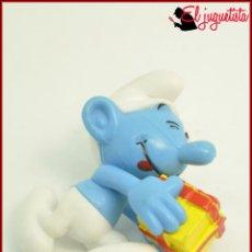 Figuras Kinder: PITUFOS - FIGURA KINDER PEYO - PITUFO CON REGALO. Lote 120188851