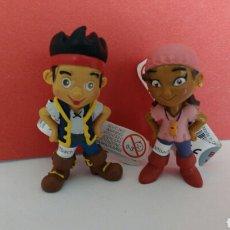 Figuras de Goma y PVC: LOTE FIGURAS PVC IZZY Y JAKE LOS PIRATAS DE NUNCA JAMAS NARCA BULLYLAND. Lote 120268948