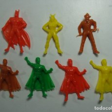 Figuras de Goma y PVC: BATMAN - ROBIN - CATWOMAN - JOKER - ESTILO DUNKIN - HECHAS EN VENEZUELA - PRECIO POR CADA UNA. Lote 119478524