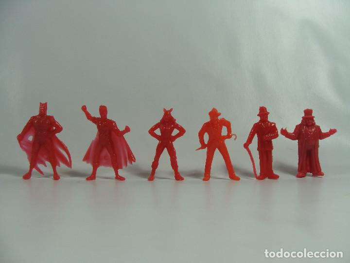 BATMAN ROBIN CATWOMAN JOKER RIDDLER PINGÜINO - SET ROJO COMPLETO ESTILO DUNKIN HECHAS EN VENEZUELA (Juguetes - Figuras de Goma y Pvc - Dunkin)