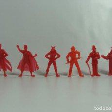 Figuras de Goma y PVC: BATMAN ROBIN CATWOMAN JOKER RIDDLER PINGÜINO - SET ROJO COMPLETO ESTILO DUNKIN HECHAS EN VENEZUELA . Lote 120840667