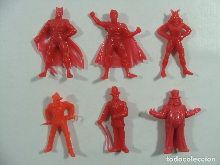 Figuras de Goma y PVC: Batman Robin Catwoman Joker Riddler Pingüino - Set rojo completo Estilo Dunkin Hechas en Venezuela - Foto 2 - 120840667