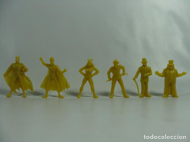 BATMAN ROBIN CATWOMAN JOKER RIDDLER PINGÜINO - SET AMARILLO COMPLETO ESTILO DUNKIN HECHAS VENEZUELA (Juguetes - Figuras de Goma y Pvc - Dunkin)