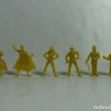 Figuras de Goma y PVC: BATMAN ROBIN CATWOMAN JOKER RIDDLER PINGÜINO - SET AMARILLO COMPLETO ESTILO DUNKIN HECHAS VENEZUELA . Lote 120840907