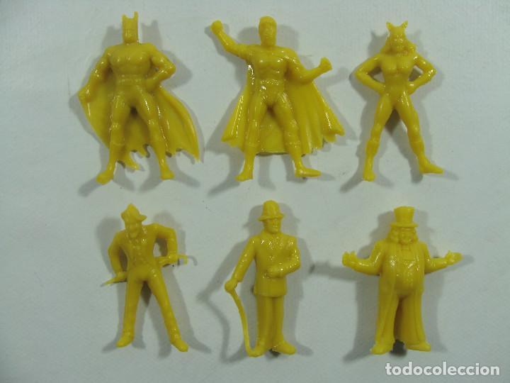 Figuras de Goma y PVC: Batman Robin Catwoman Joker Riddler Pingüino - Set amarillo completo Estilo Dunkin Hechas Venezuela - Foto 2 - 120840907