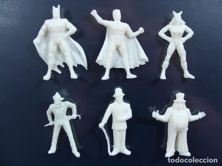 Figuras de Goma y PVC: Batman Robin Catwoman Joker Riddler Pingüino Set blanco completo Estilo Dunkin Hechas en Venezuela - Foto 2 - 120841135