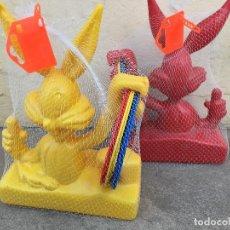 Figuras de Goma y PVC: WARNER BROS. LOTE DE DOS JUEGO DE ANILLAS BUGS BUNNY. Lote 120994739