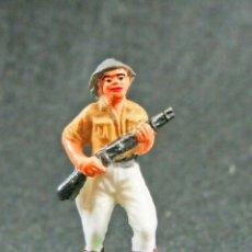 Figuras de Goma y PVC: CAZADOR DEL SAFARI NEGROS. Lote 121069243