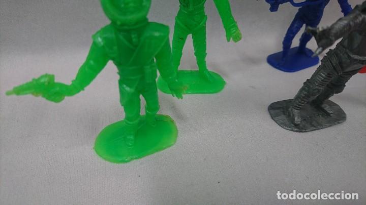 Figuras de Goma y PVC: LOTE ANTIGUAS FIGURAS COMANSI SERIE ESPACIO, OVNI - Foto 3 - 121290587