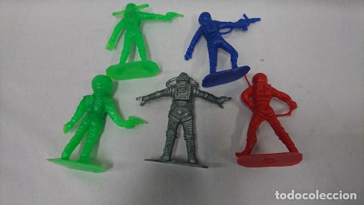 Figuras de Goma y PVC: LOTE ANTIGUAS FIGURAS COMANSI SERIE ESPACIO, OVNI - Foto 5 - 121290587