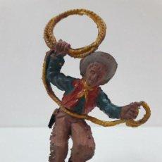 Figuras de Goma y PVC: VAQUERO CON LAZO . REALIZADO POR LAFREDO . AÑOS 50 EN GOMA. Lote 121634387