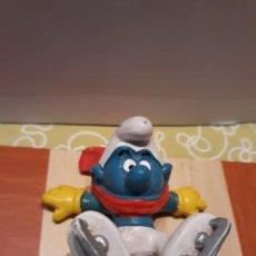 Figuras de Goma y PVC: PITUFO PATINADOR SOBRE HIELO - BULLY. Lote 121776706